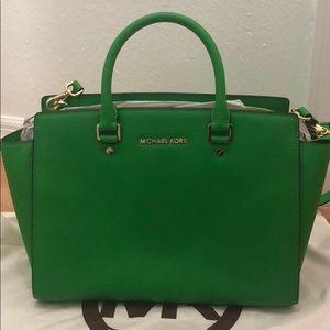 women s kelly green michael kors bag on poshmark rh poshmark com